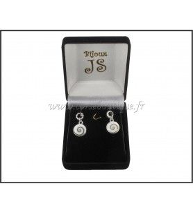 Studs earrings eye of Holy Lucie and round engraved silver