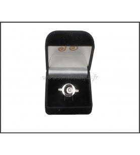 Anillo de plata ojo de Santa Lucía y óxido de circonio  - Anillo con círculo de plata y ojo de Santa Lucía. Anillo con óxido de