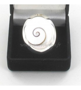 Anillo de plata oval de los Ojos de santa Lucía, Gran Modelo