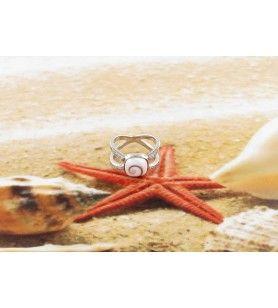 Bague en argent et oeil de Sainte Lucie carré avec anneau croisé en oxyde de zirconium
