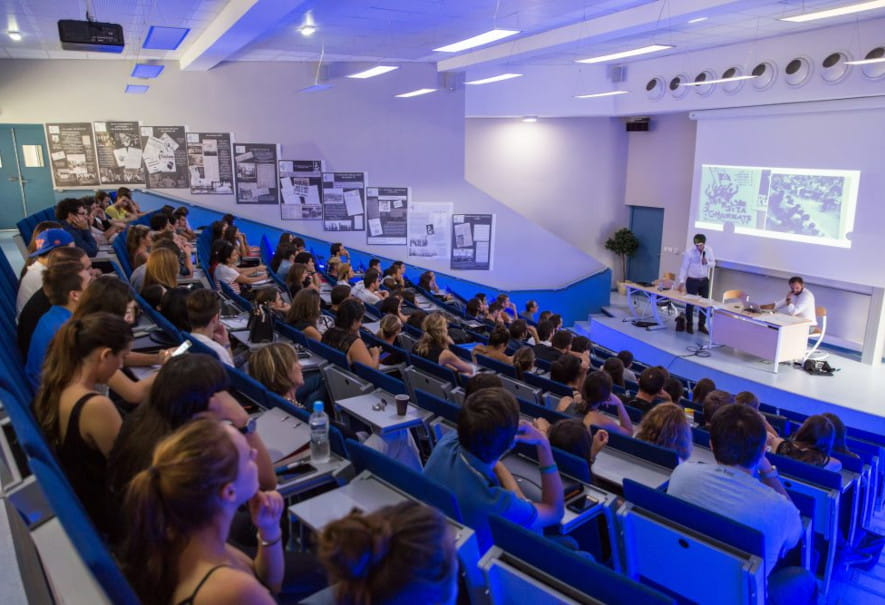 Amphi Université de Corse.jpg